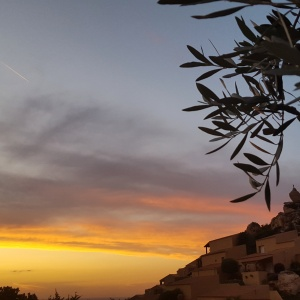La cosa che mi manca più in assoluto: osservare il sole tramontare sopra Costa Paradiso dal nostro terrazzino