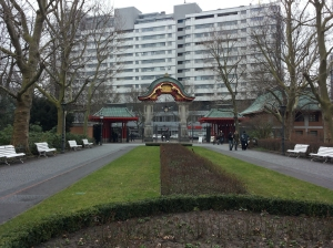 La porta degli elefanti allo zoo di Berlino, uno dei più grandi d'Europa